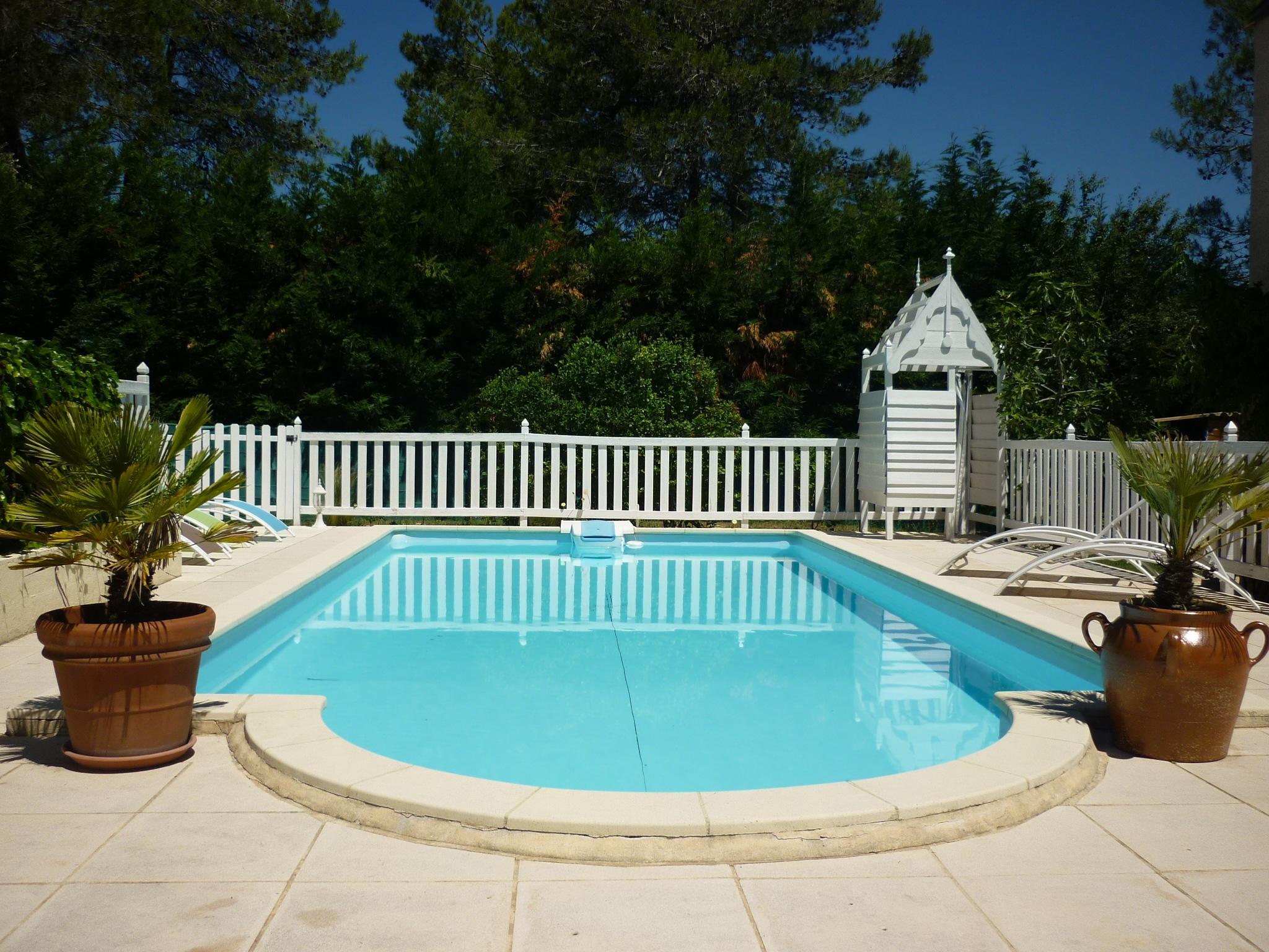 Prestations piscine - Gite roulotte entre vignes et oliviers - Cévennes Gard