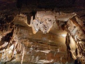 Grotte de Trabuc - gite hebergement insolite - entre vignes et oliviers - cevennes - gard
