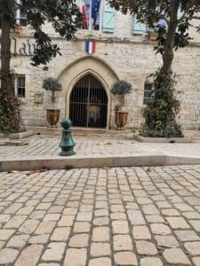 Vezenobres - tourisme gite roulotte entre vignes et oliviers - cevennes - gard