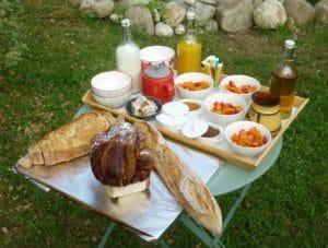 Réveil Gourmand - gite roulotte Entre Vignes et Oliviers - Cévennes - Gard