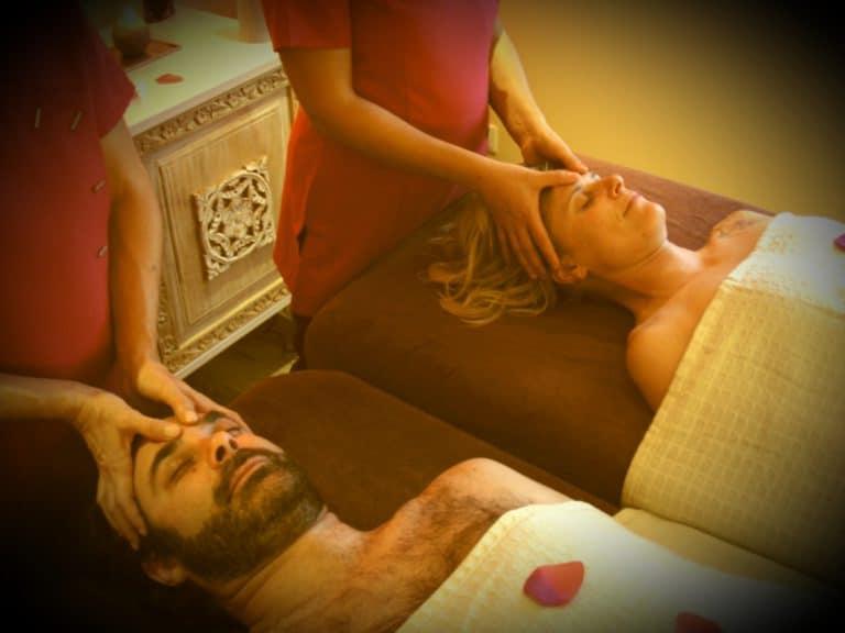 massage à deux escapade amoureuse - roulotte entre vignes et oliviers - cevennes - gard